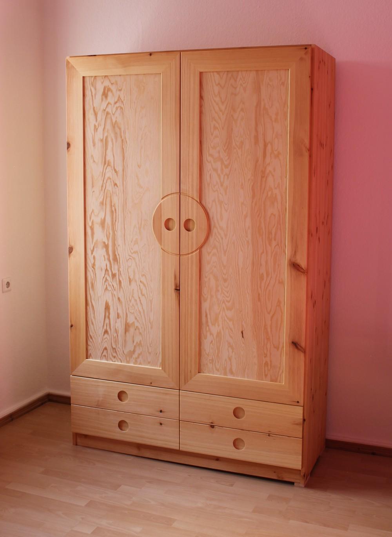 hof erdenlicht holzarbeiten kleidungskunst lernen spielen holzkn pfe 2012. Black Bedroom Furniture Sets. Home Design Ideas